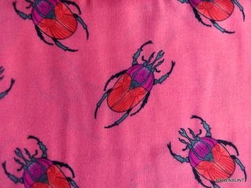 Vikose Blusenstoff Audrey. Sehr weich, leicht zu verarbeiten. Ideal für Sommerkleider, Röcke, Blusen. 100% Viskose, 140cm breit, bei 40°C waschbar. Ökotext